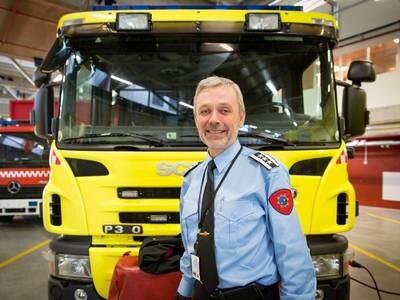 Brannsjefen er glad Finnøy får ny brannstasjon