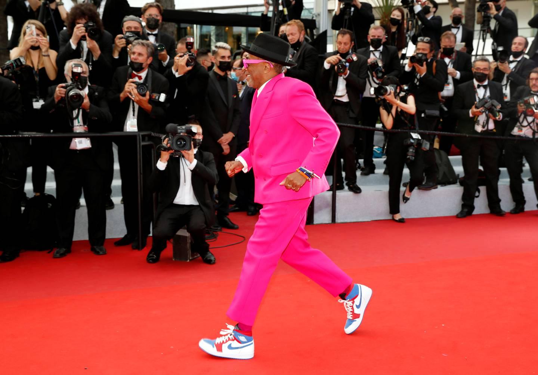 Jurypresident Spike Lee ankommer åpningsseremonien ved sommerens filmfestival i Cannes.