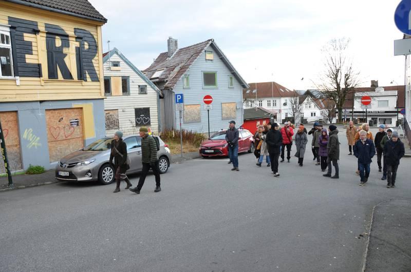 De falleferdige trehusene i Kongsteinsgata like ved Nytorget forsvinner trolig når torget skal moderniseres. Foto: Arne Birkemo