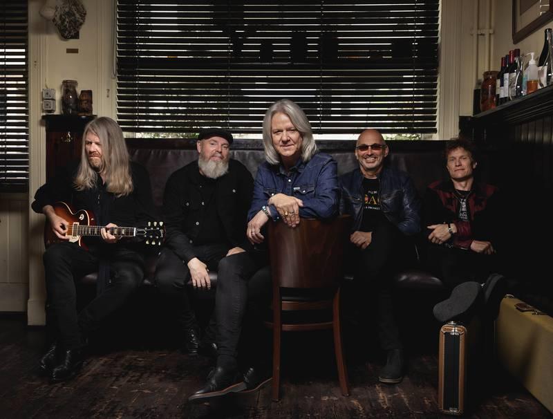 Hellbillies holder stilen på sitt 12. album.
