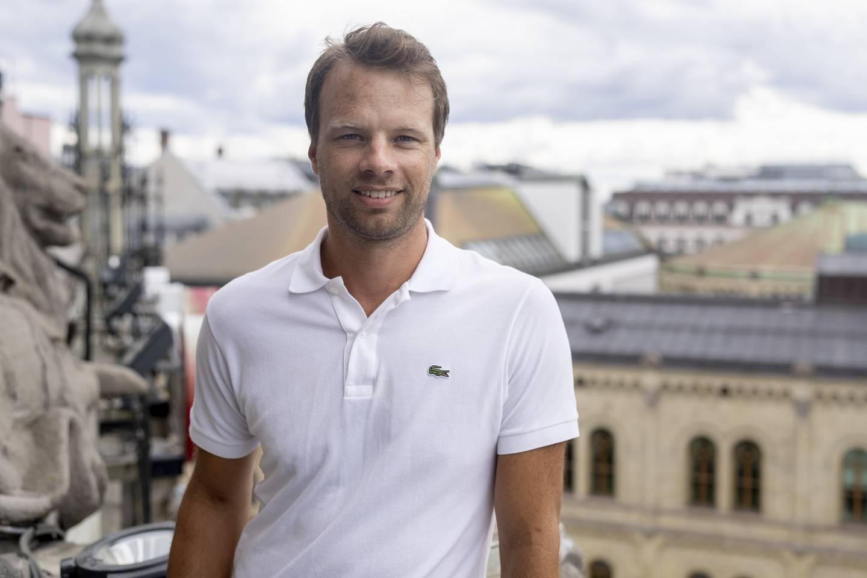 Frps andrekandidat i Oslo, Jon Helgheim, er inne på Stortinget i denne målingen.