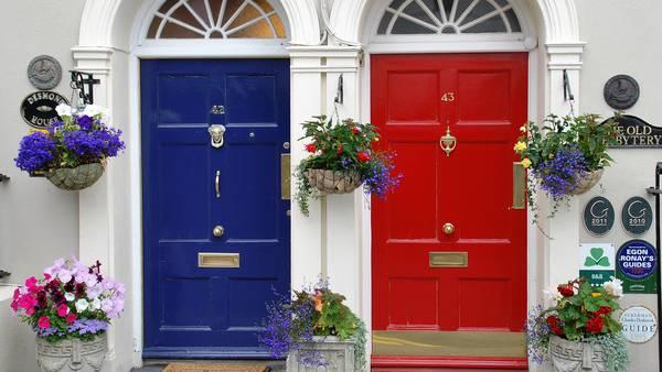 Forny huset med nye dører og vinduer