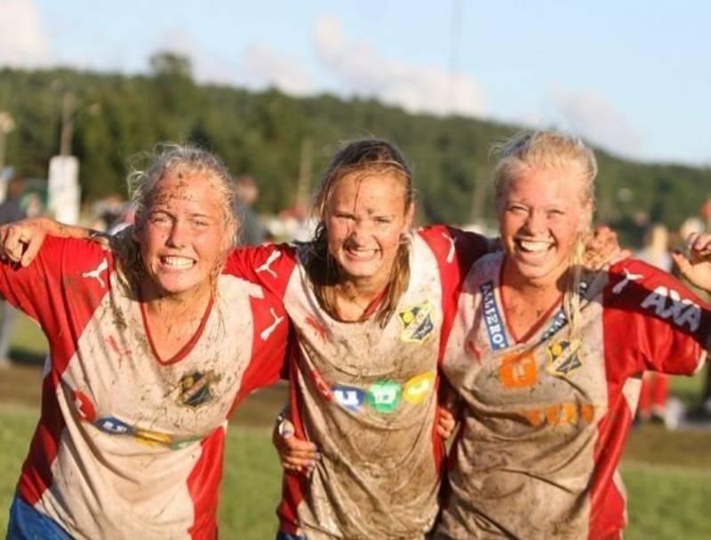 To år på rad vant Caroline Graham Hansen (midten) Norway Cup med Lyn.