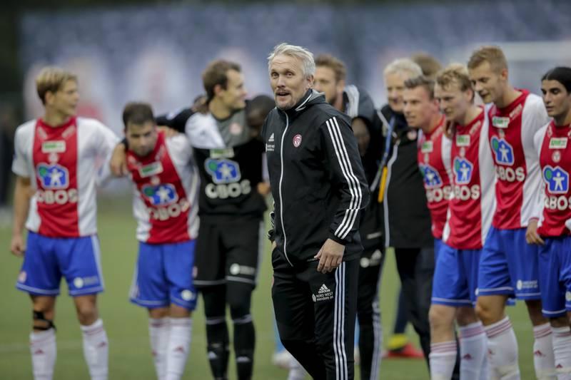 KFUM-trener Jørgen Isnes  etter kampen mellom Kfum-Oslo-Sandnes Ulf på Kfum Arena.