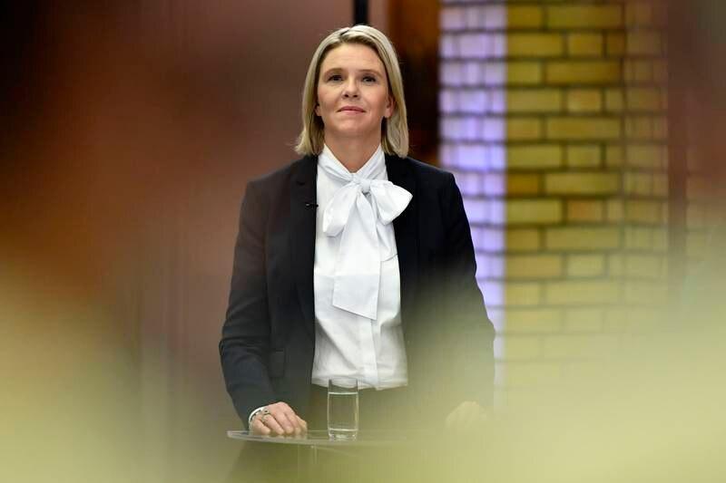 Frp-leder Sylvi Listhaug mener det gikk veldig bra i regjeringssamarbeidet mellom dem og Høyre, helt fram til Venstre og KrF ble med. Her fra en partilederdebatt i Stortingets vandrehall. Foto: Naina Helén Jåma / NTB