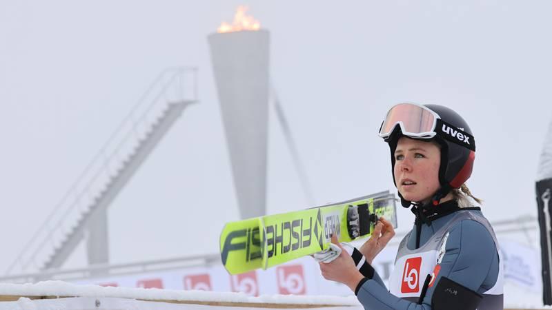Lillehammer 20201205.  Maren Lundby under Norgesmesterskapet hopp stor bakke for kvinner i Lysgårdsbakkene hoppanlegg i Olympiaparken på Lillehammer  lørdag. Foto: Geir Olsen / NTB