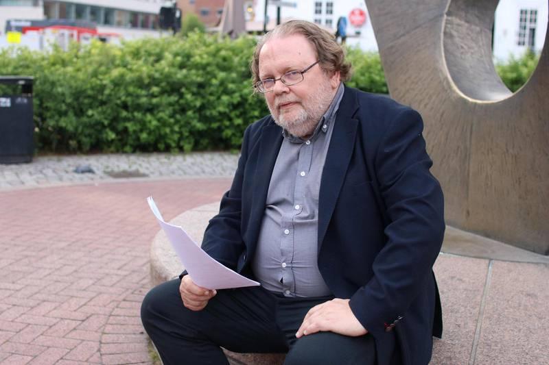 – I den situasjonen etaten befinner seg i burde ekstra lønnstrinn vært gitt etter eller lenge før arbeidsmiljøundersøkelsen, mener BI-professor Stig Berge Matthiesen.