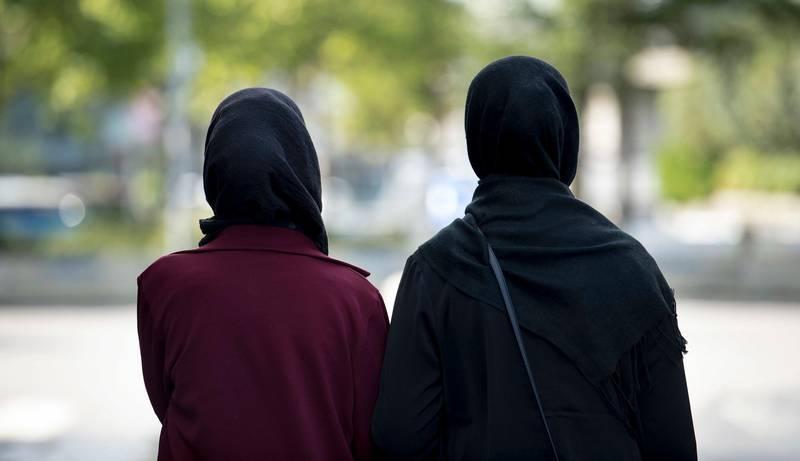 Sandnes  20160908. Kvinner med hijab, muslimsk hodeplagg. NB! MODELLKLARERT Foto: Carina Johansen / NTB