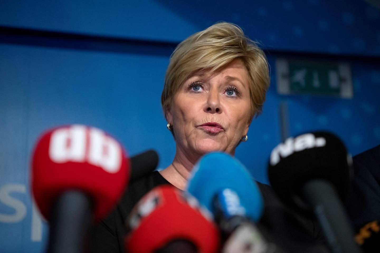Fremskrittspartiet pressekonferanse. FrP går ut av regjering. Siv Jensen, Sylvi Listhaug og Terje Søviknes.