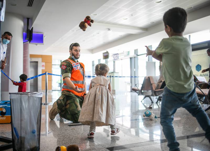Soldater fra Brig Nord under oppdraget i Georgia i forbindelse med evakueringen av sivile ut fra Kabul i Afghanistan.