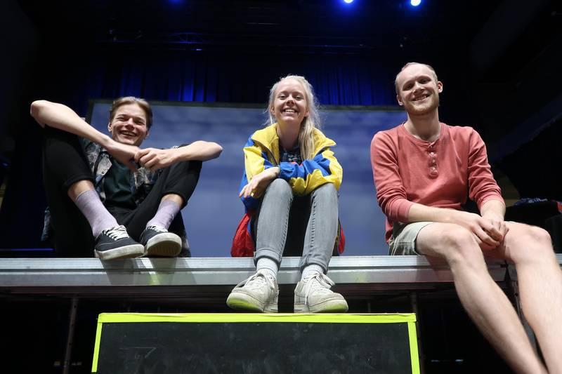 """Denne sommeren blir det en fire timers maraton-forestilling av alle de tre """"Ingen vei tilbake""""-aktene. Fra venstre: Frederic Molund, Julia Sørensen og Mats Gukild"""