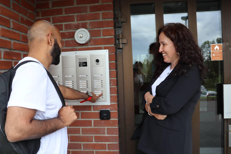 Sajid Mukhtar og Hatice Luk ønsker å få flere innvandrere til å stemme i årets valg.
