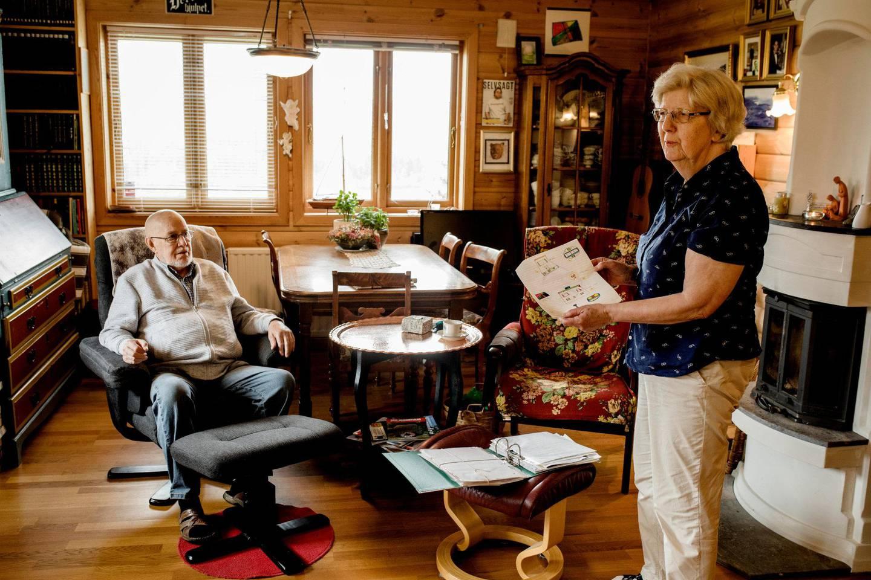 Foreldrene: Ragnhild Johnsen Meldalen og Arne Ugedal mener sønnen ikke har det godt der han bor i dag. De er fortvilet over at de ikke blir hørt.