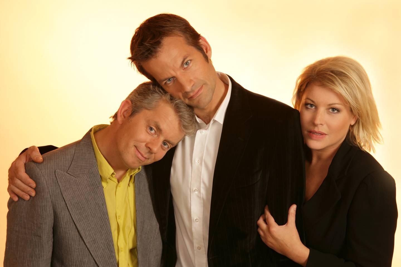 Fra da «Nytt på Nytt» fortsatt var forholdsvis nytt, og vi syntes programmet hadde gått for lenge i gullrekka: Knut Nærum, Jon Almaas og Anne-Kat. Hærland.