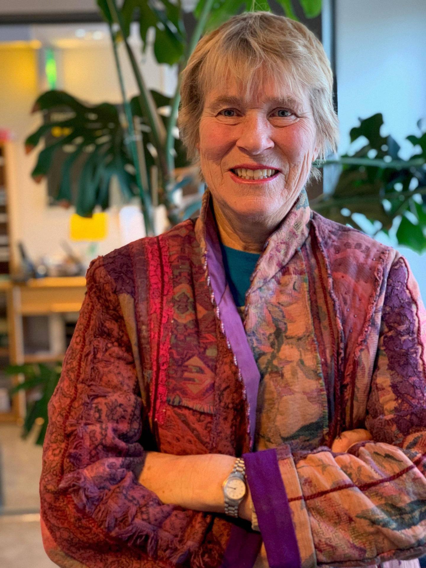 kritisk til nemndene: Johanne Sundby, gynekolog og professor i samfunnsmedisin, mener kvinnen vet best selv hvor mange barn hun bør ha. FOTO: UIO