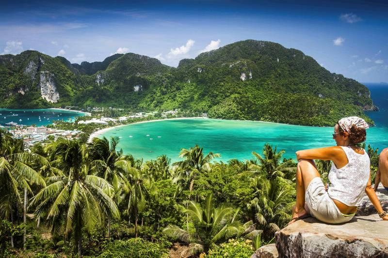 Krabi anbefales som reisemål hvis du er førstegangsferierende i Thailand. Området er rolig og velorganisert og kjent for sine vakre strender.