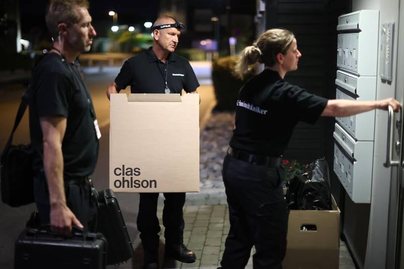 Moss 20200818.  Krimteknikere ankommer. Politiet fikk tirsdag kveld melding om et drap i en bolig i Moss sentrum. En antatt gjerningsperson er pågrepet i boligen på Glassverket i Moss. Foto: Ørn E. Borgen / NTB scanpix