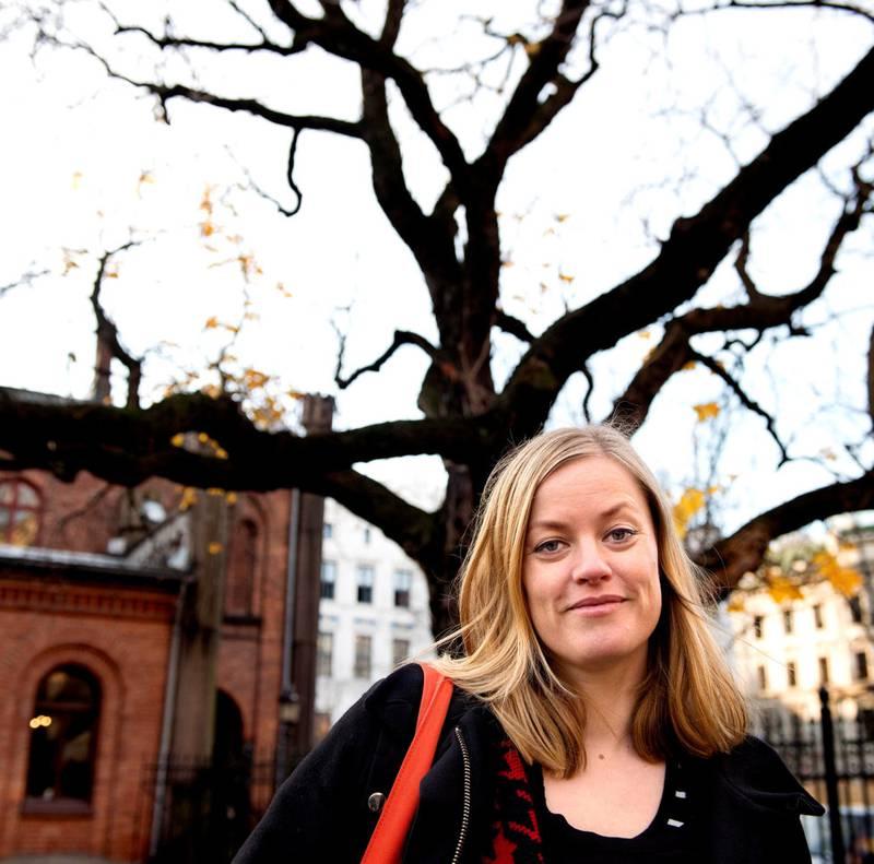 Hilde Tørdal er styreleder i Norske Billedkunstnere, men torsdag er hun først og fremst Munch-demonstrant foran Stortinget på vegne av Kunstnernettverket.