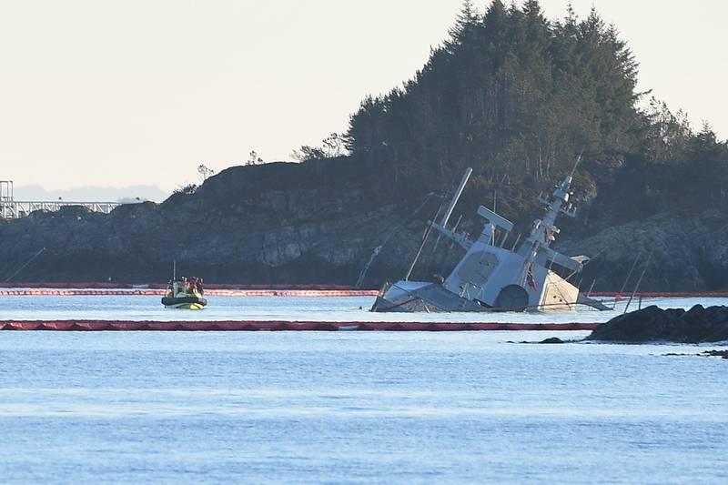 Øygarden  20181119. Den havarerte fregatten KNM Helge Ingstad ved Øygarden i Hordaland mandag ettermiddag. Foto: Marit Hommedal / NTB scanpix