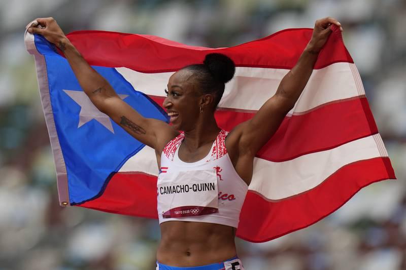 Jasmine Camacho-Quinn tok gull på 100 meter hekk mandag. Foto: Petr David Josek / AP / NTB