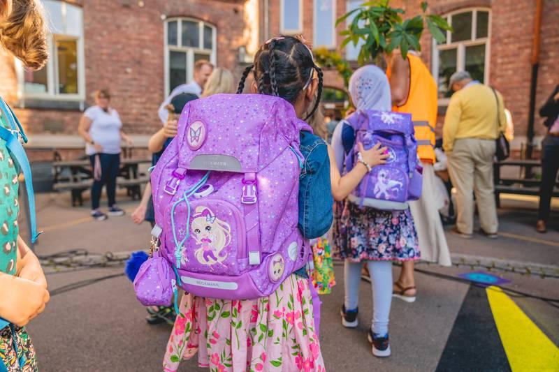 Lykkes et skole-hjem samarbeid vil elevene og samfunnet nyte godt av resultatet, skriver Silje Rezende og Firdawsa Ahmed.