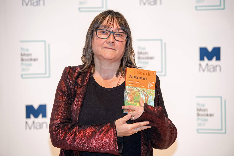 Ali Smith med «Høst», som var nominert til Booker-prisen 2017.