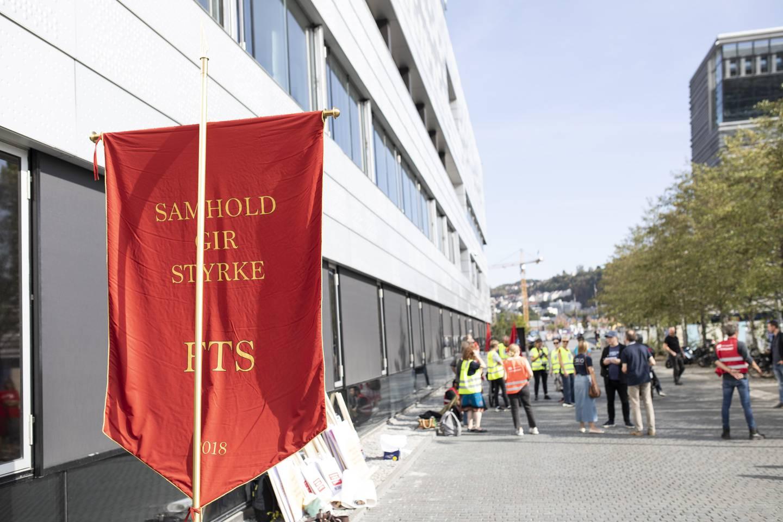 Streik blandt Kulturarbeiderne. Her ved Operaen i Oslo.