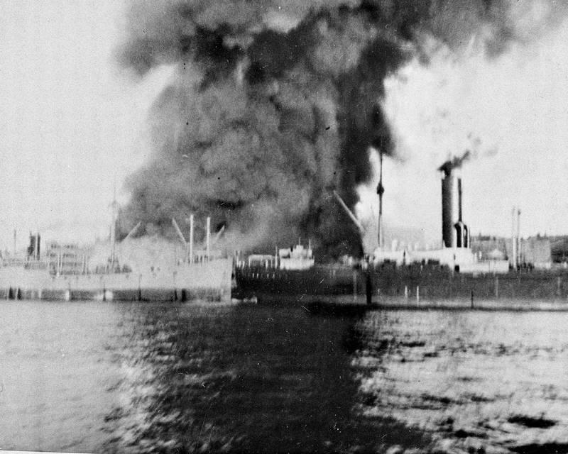 Alliert bombeangrep mot tyske skip i Kirkenes, som ble den mest bombede by på Europas fastland. (I alt 300 angrep).