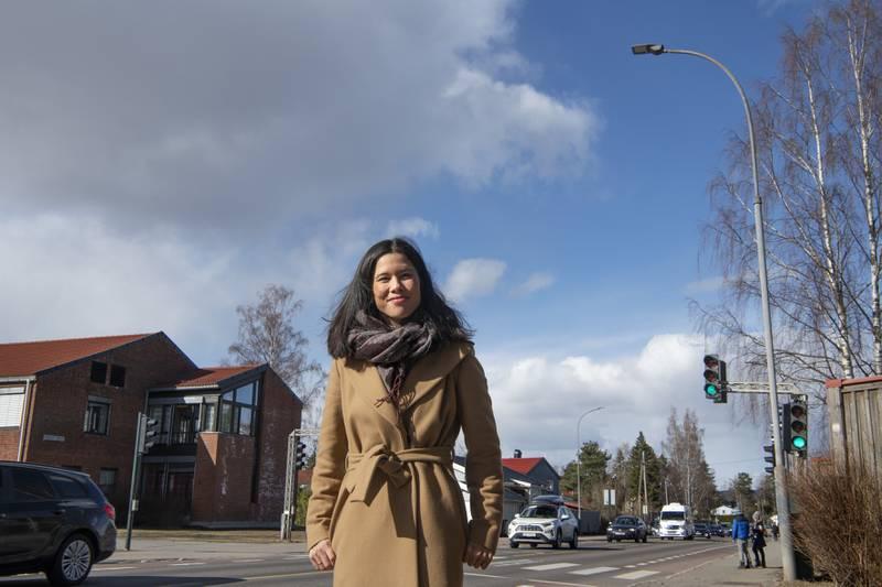 Lan Marie Berg ved Trasop skole i forb. med ønske om fotobokser. Politiker for Miljøpartiet De Grønne.