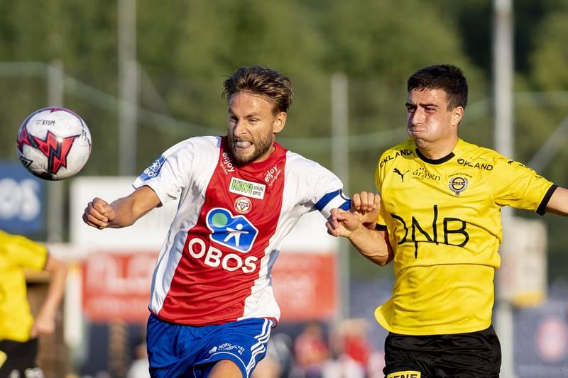 KFUMs Jørgen Hammer (t.v.) får en lengre pause fra fotballen.