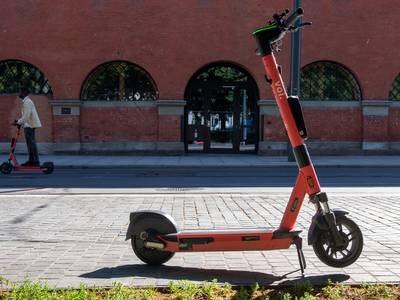 Tolv aktører får leie ut elsparkesykler i Oslo – får leie ut nøyaktig like mange hver