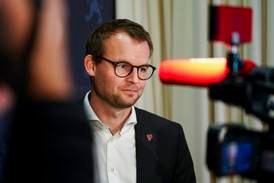 KrF-leder Ropstad møter pressen