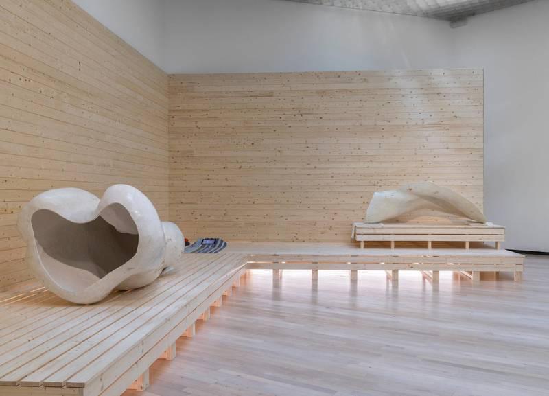 Den vakre tittelen «A Small Big Thing» viser Jumana Mannas sans for de små men viktige detaljene i «det store bildet». Utstillingen på Henie Onstad Kunstsenter er en av høstens må-se-opplevelser.
