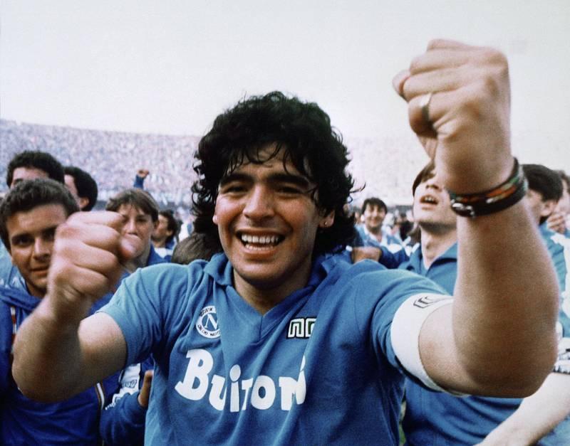 Diego Maradona er blitt elsket og hatet opp gjennom en fargerik karriere. Nå har «Amy»-regissør Asif Kapadia laget filmen om fotballguden. FOTO: SELMER MEDIA
