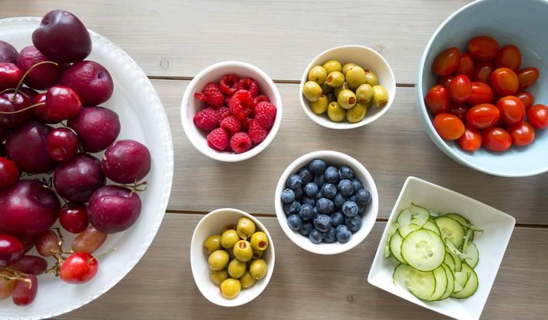 Trondheim  20170617. Sunn frokost med frukt og bær. Foto: Gorm Kallestad / NTB scanpix