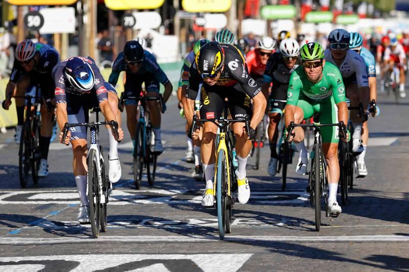 Wout van Aert slo alle på oppløpet i Paris, etter at han tidligere i Touren har vunnet en tempoetappe og en fjelletappe.