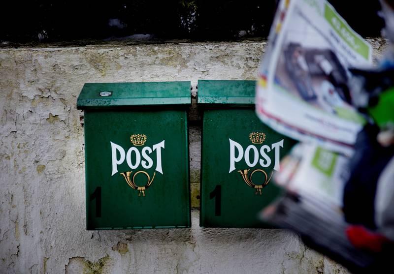 SJELDEN: Enkelte av husstandene Lasse Eilertsen leverer til, får bare to-tre brev i måneden, forteller han. FOTO: HILDE UNOSEN