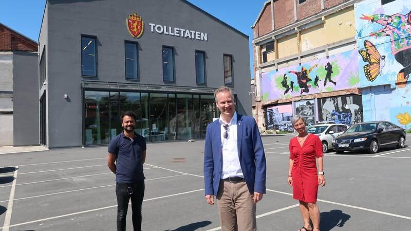Gruppeleder for Moss Arbeiderparti Shakeel Rehman, ordfører Jon-Ivar Nygård, Fredrikstad og ordfører Hanne Tollerud, Moss.