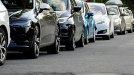 Flere biler med politikernes hjelp