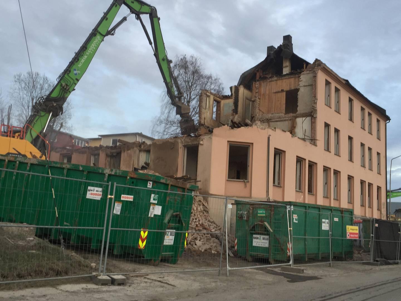 Bygningen Port Arthur i Værelegata i Moss, ble revet 27. mars 2019.