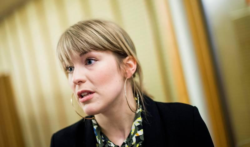 Kari Elisabeth Kaski, finanspolitisk talsperson i SV, mener at regjeringen ikke har fulgt opp Stortingets vedtak om skatteparadiser godt nok. – Denne regjeringa er generelt uvanlig slapp til å følge opp stortingsvedtak, sier hun.