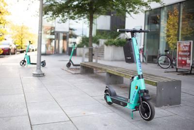 I denne byen har de sluppet unna elsparkesykkel-ulykkene