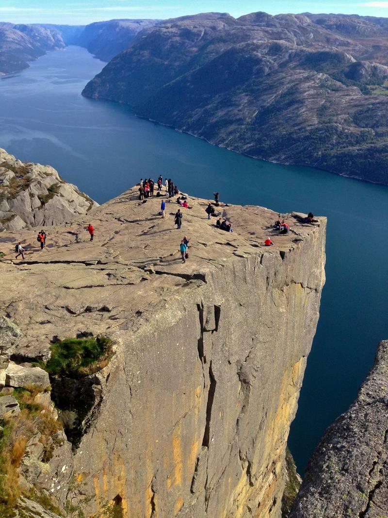 Preikestolen er blitt et av Norges store naturikoner. De har blant annet fått penger fra den nye støtteordningen Nasjonale Turstier. FOTO: ANDREAS GRUHLE/VITISNORWAY.COM