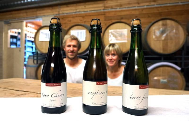 Lindheim Ølkompani lager også mange typer sider, både av eple, kirsebær og bringebær, som det nå er tillatt å selge fra gården.