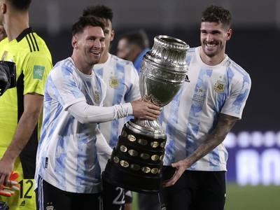Messi-hat trick og tårevåt Copa America-feiring