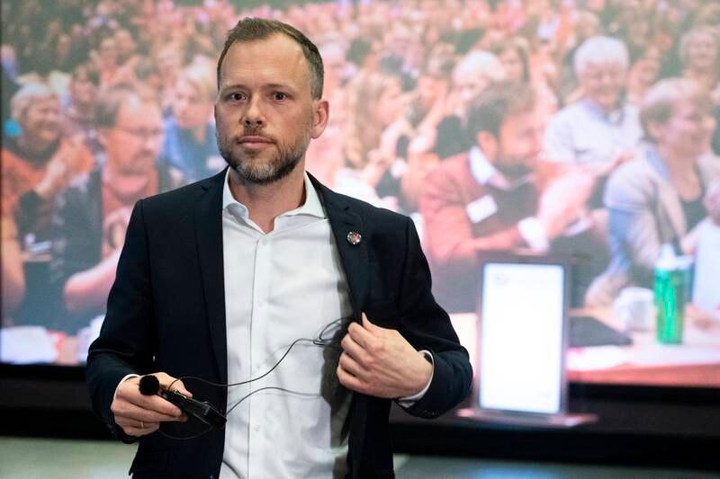 SVs partileder Audun Lysbakken på partiets landsmøte. Landsmøtet holdes digitalt, men sentralstyret er samlet på Hamar. Foto: Terje Pedersen / NTB