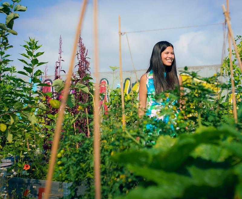 Miljøbyråd Lan Marie Nguyen Berg (MDG) vil ha mer grønt i Oslo. Nå gir hun bort penger til oslofolk som vil dyrke noe selv.