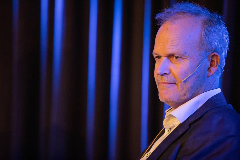 Forfatter og kongebiograf Tore Rem på Kapittel-festivalen i Stavanger, der han lanserte bind to av sin store biografi om kong Olav