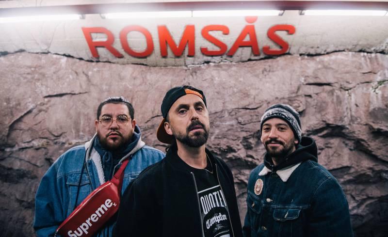 – Vi tar Romsås med til teatret for å skryte av det, sier Don Martin (midten), Fela (t.h.) og Boss Castro.