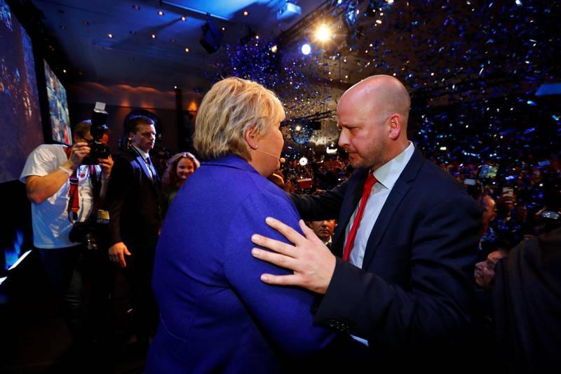 NÆR RÅDGIVER: Erna Solberg og Sigbjørn Aanes på Høyres valgvake i 2017, før Aanes gikk videre til First House. FOTO: HEIKO JUNGE/NTB SCANPIX